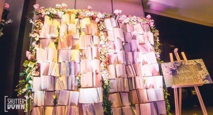 fotobudeles irengimas knygų siena